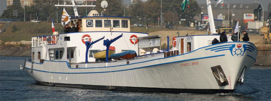 La douane Pour les bateaux privés